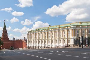 Достопримечательности Московского Кремля. Оружейная палата (2 класс, окружающий мир)