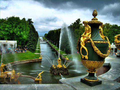 Петергоф - достопримечательность Санкт-Петербурга (доклад для 2 класса по Окружающему миру)